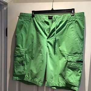 Rocawear men's green cargo shorts size 38.